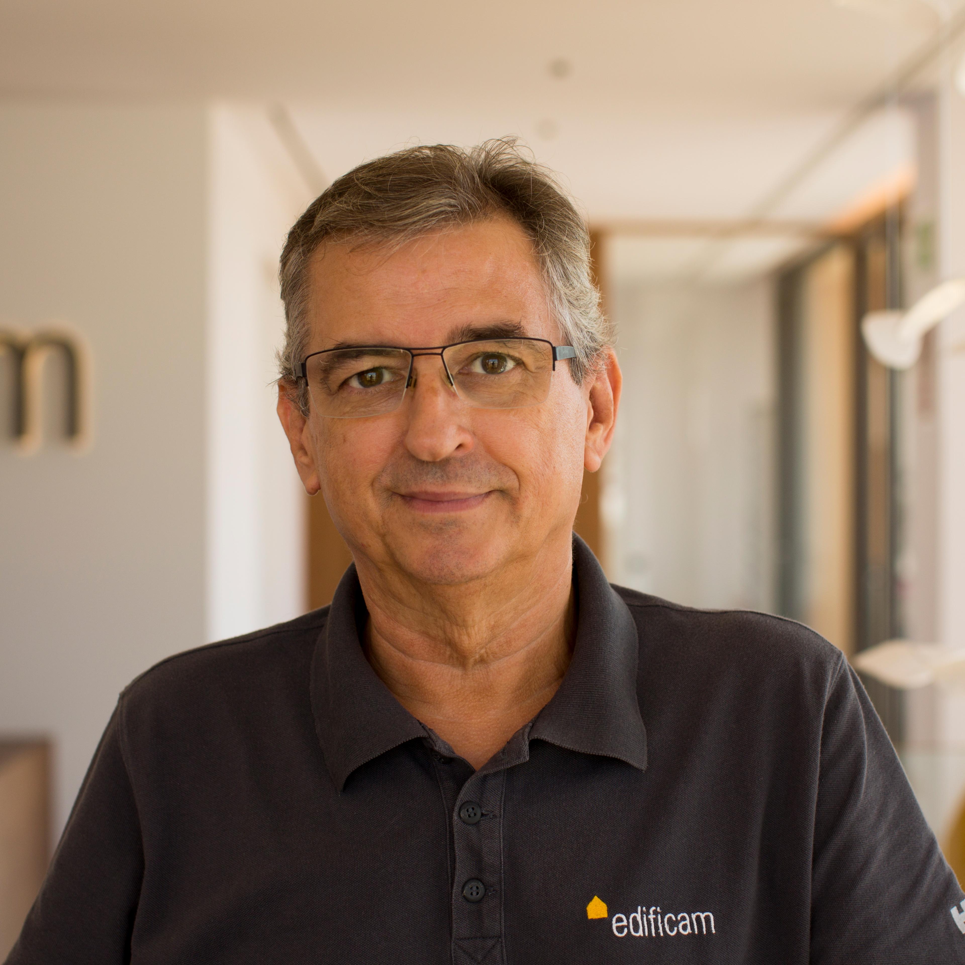 Antonio Gabaldón, Controller